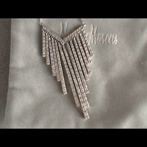 Jewelry - NEW CRYSTAL EMBELLISHED NECKLACE